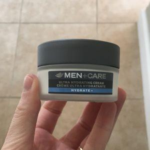 Men's ultra hydrating cream